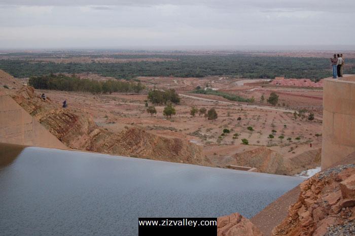صور لسد الحسن الداخل بالرشيدية بعد التساقطات الاخيرة Barrage-errachidia-11-12-10-2008