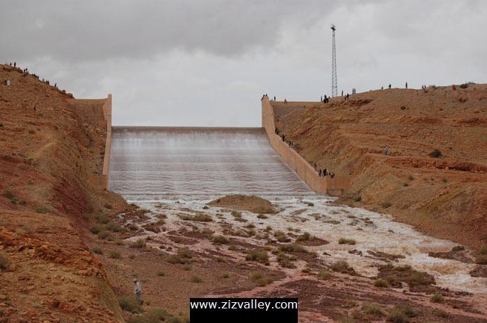 صور لسد الحسن الداخل بالرشيدية بعد التساقطات الاخيرة Barrage-errachidia-4-12-10-2008