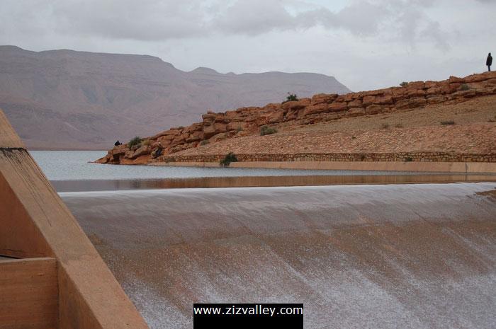 صور لسد الحسن الداخل بالرشيدية بعد التساقطات الاخيرة Barrage-errachidia-8-12-10-2008