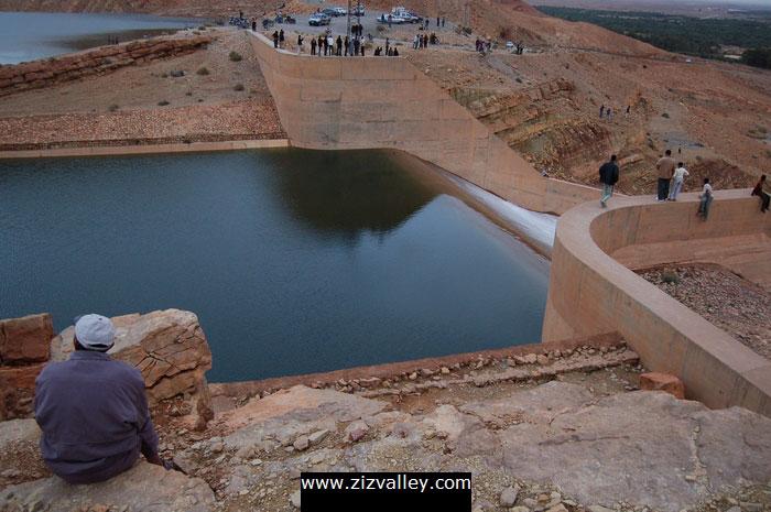 صور لسد الحسن الداخل بالرشيدية بعد التساقطات الاخيرة Barrage-errachidia-9-12-10-2008